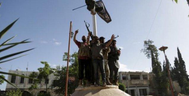 Nusra Cephesi İdlib'de onlarca Dürziyi katletti