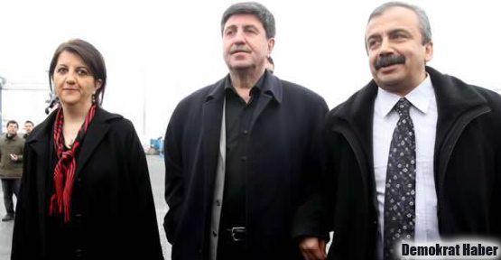 Öcalan Sırrı Süreyya'ya 'kendine dikkat et' dedi