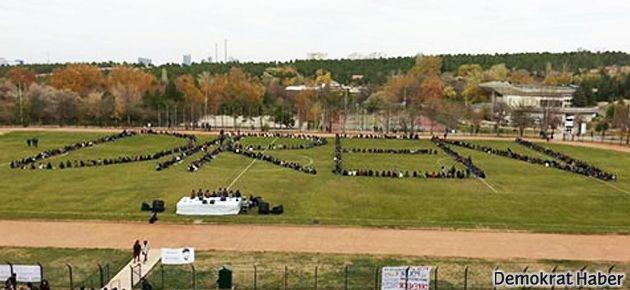 ODTÜ Devrim Stadı'na bu kez 'Diren' yazdı