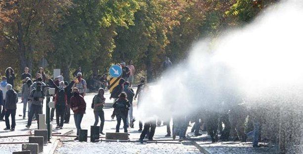 ODTÜ'de Kobani eylemine polis saldırısı