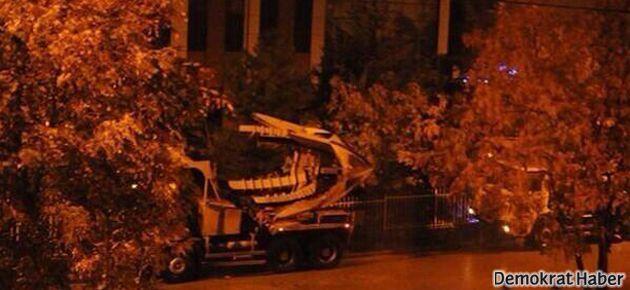 ODTÜ'ye baskın: Ağaçlar söküldü, polis saldırdı