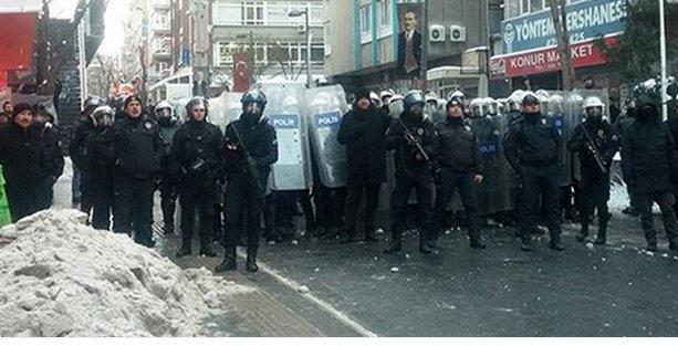 Öğrencilerin kartopuna polisten plastik mermi ile karşılık!