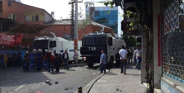 Okmeydanı'nda polisin ateş açtığı anlar kameralara yansıdı