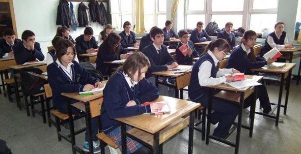 Ortaöğretim Kurumları Yönetmeliği değişti: Sınav sayısı düştü