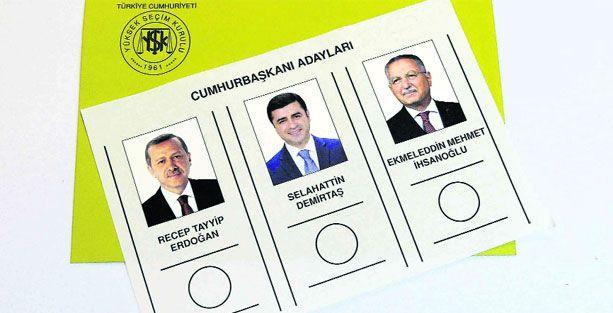 Oy pusulasının fotoğrafını çekene gözaltı