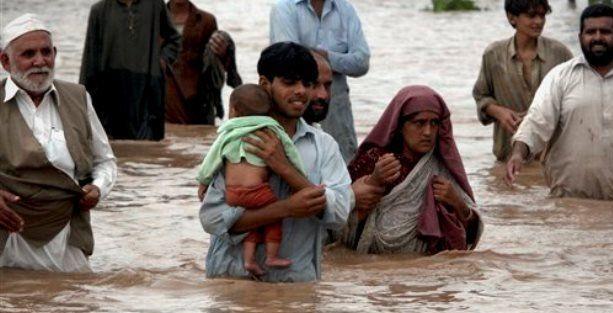 Pakistan'da sel felaketi: 231 ölü