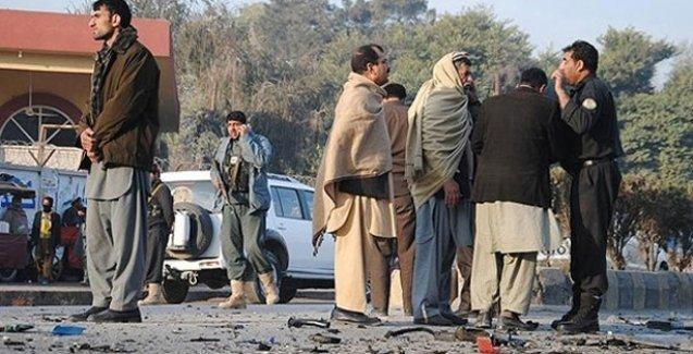 Pakistan'da Şii camisine bombalı saldırı: 49 ölü