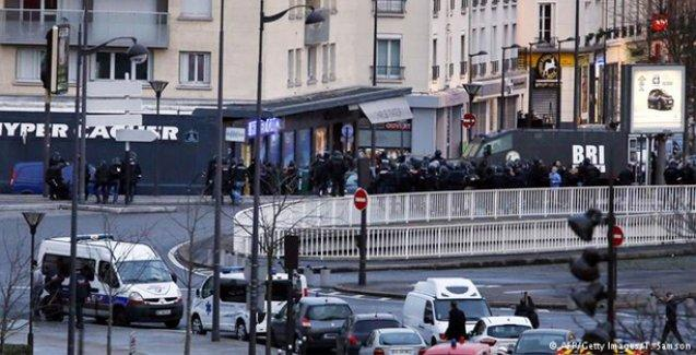 Paris saldırılarında 2 kişi gözaltına alındı