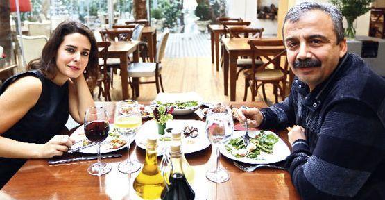 Pelin Batu Sırrı Süreyya Önder'le konuştu