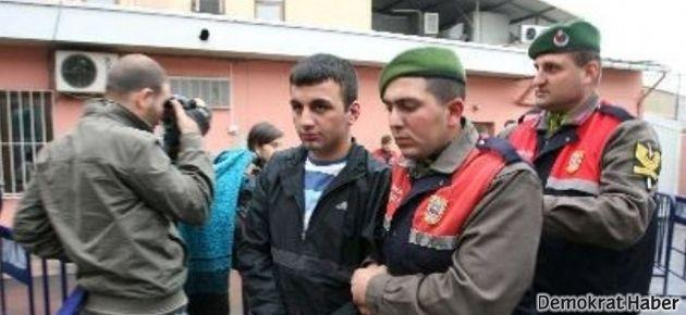 'Polis, Cumhuriyet gazetesine atmam için el bombası verdi'