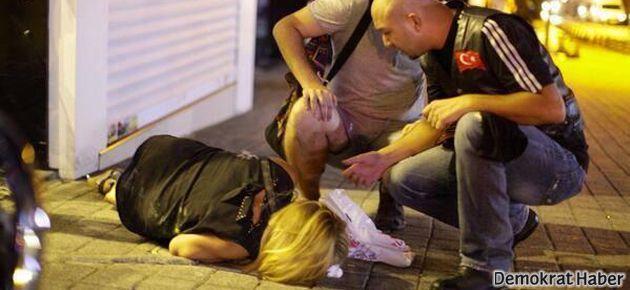 Polis Kadıköy'de plastik mermi yağdırdı