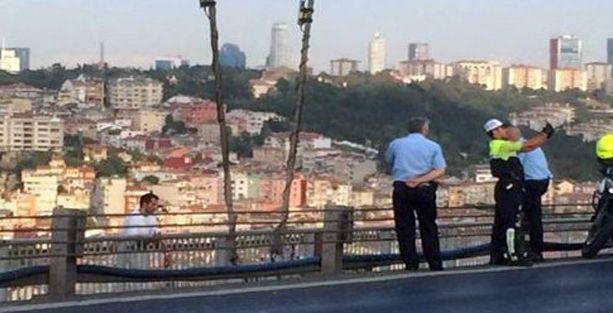 Polisin intihar selfiesine soruşturma