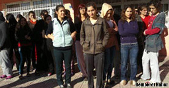 Polisten kız öğrenci yurduna baskın