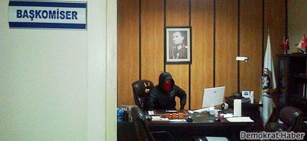 RedHack'ten başkomiserin odasında poz!
