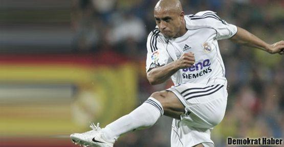 Roberto Carlos futbolu bıraktı