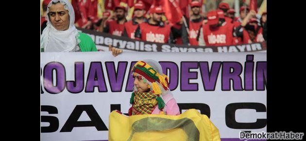 Rojava mitingi için binlerce kişi toplandı