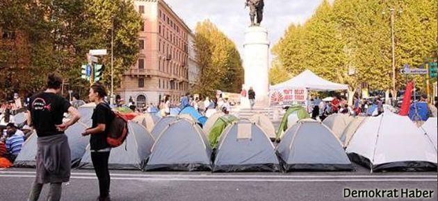 Roma'da meydanlar işgal ediliyor