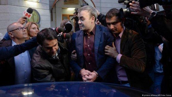 Romanya'daki yolsuzluk operasyonunda eski maliye bakanı gözaltına alındı
