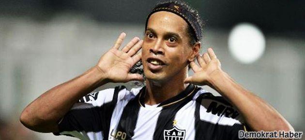 Ronaldinho'dan Beşiktaş'a '10 şart'