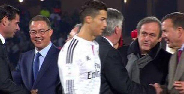 Ronaldo da Melo gibi: Platini'nin yüzüne bakmadı