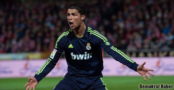 Ronaldo'ya ülkesinde 'Messi tezahüratlı' karşılama