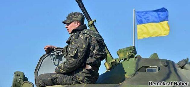 'Rusya, Kırım'da Ukrayna askeri üssüne ateş açtı'
