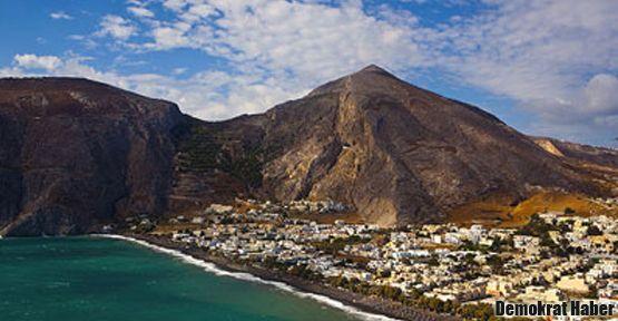 Santorini Yanardağı harekete geçti