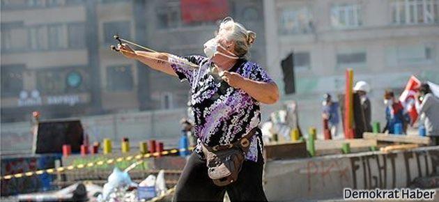 Polis saldırısına direnen 'Sapanlı Teyze'