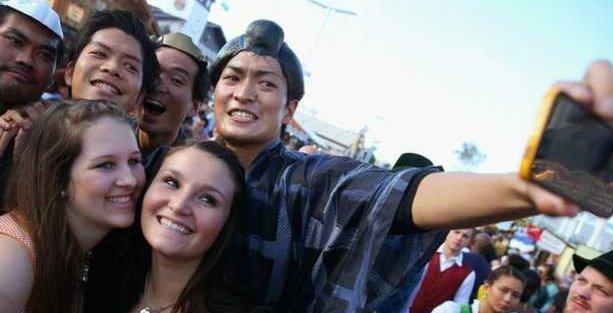 Selfie uyarısı: Bitlenirsiniz