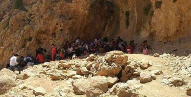 'Şengal'de on binlerce Ezidi Laleş bölgesine sığınıyor'