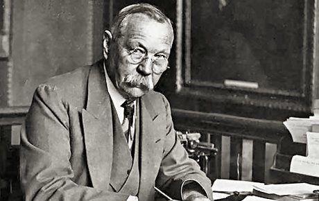 Sherlock Holmes yazarının ilk romanı piyasada