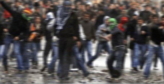 Siirt'te polise taş attıkları gerekçesiyle 35 çocuk gözaltında