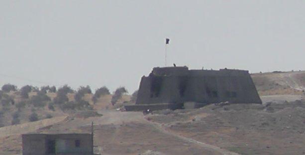 Sınırda PYD kontrolünde bulunan köy IŞİD'in eline geçti iddiası