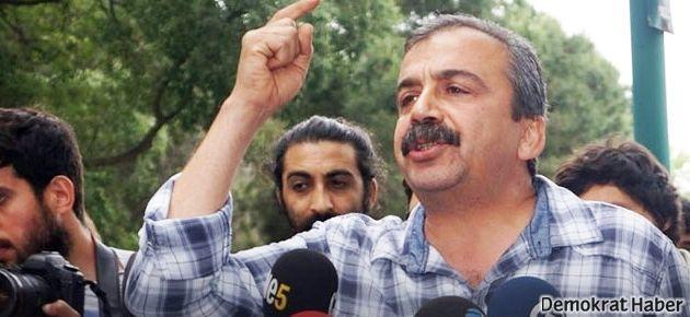 Sırrı Süreyya: 4 AKP vekilinin çocuğu destek verdi