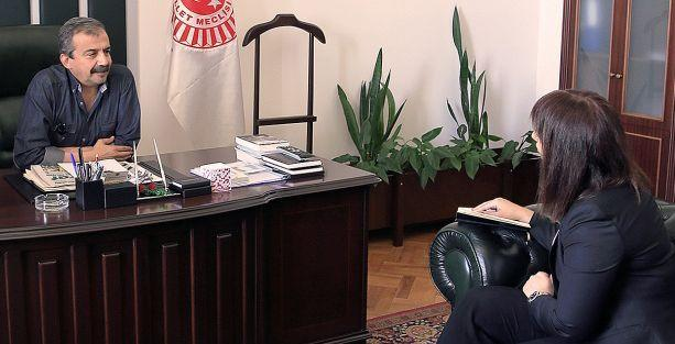 Sırrı Süreyya Önder: İhsanoğlu görüşmek isterse tabii ki görüşeceğiz!