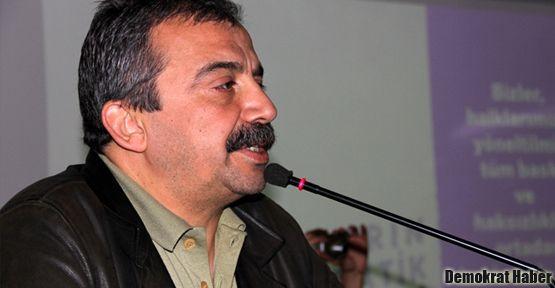 Sırrı Süreyya'dan Alevi asker önerisi