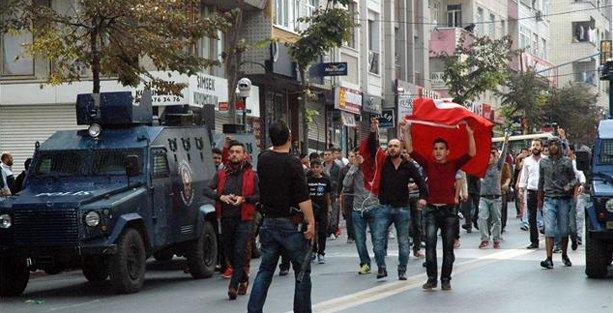Sultangazi'de HDP'lilere linç girişimi
