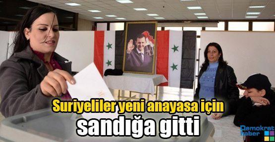Suriyeliler yeni anayasa için sandığa gitti