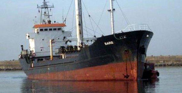 Sürüklenen, mülteci dolu gemide Ebola şüphesi