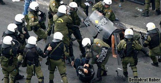 SYRİZA protestocularına polis müdahalesi