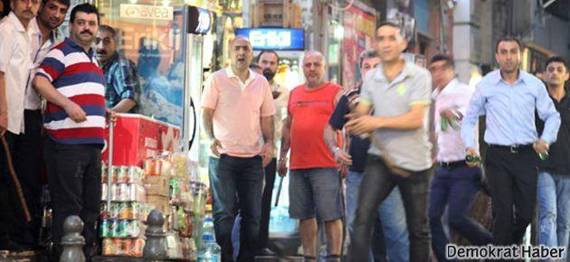 Taksim'de 'palalı' gitti, yerine 'eli sopalı esnaf' geldi