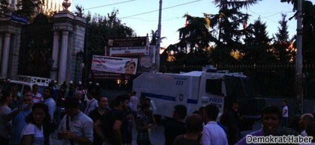 Taksim'de polis müdahalesi ve gözaltılar