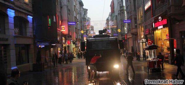 Taksim'de Kaypakkaya anmasına gaz ve tazyikli su!