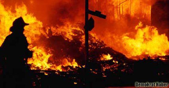 Tarihi Cumhuriyet Meyhanesi de yandı