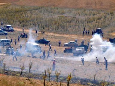 Taş ocağı gerginliği: 6 polis, 2 asker yaralı