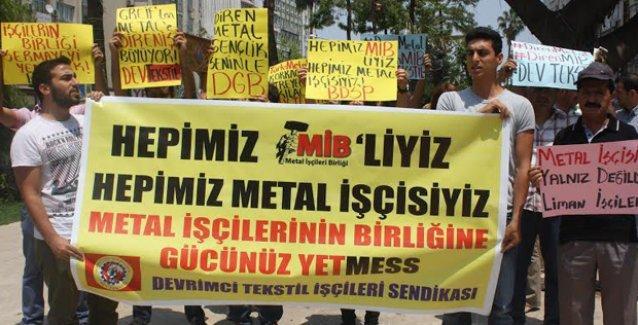 Tekstil işçilerinden metal işçisine destek: 'İşçilerin birliğine gücünüz yetMESS'