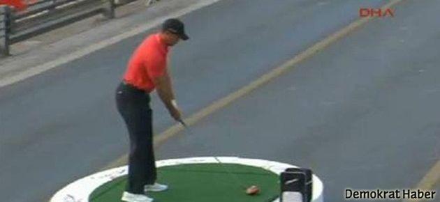 Tiger Woods'tan tarihi vuruş