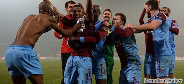 Trabzonspor, G.Saray ve F.Bahçe'yi geride bıraktı
