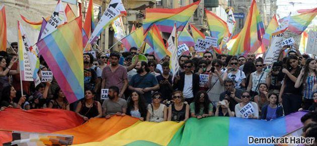 Travestilere saldıran 'sahte polisler' serbest