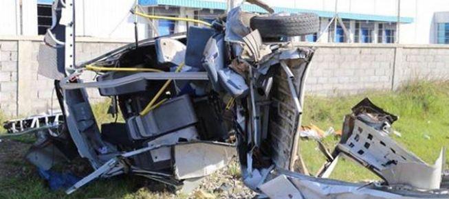 Tren servis aracına çarptı: 10 ölü